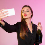 NYE Beauty Tips: How to Look Selfie-Ready
