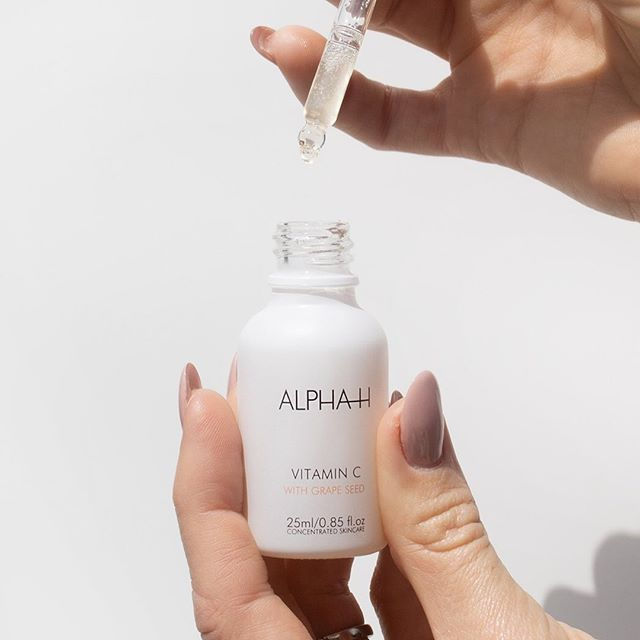 The Ultimate Guide to Vitamin Serums for Your Skin Type and Needs